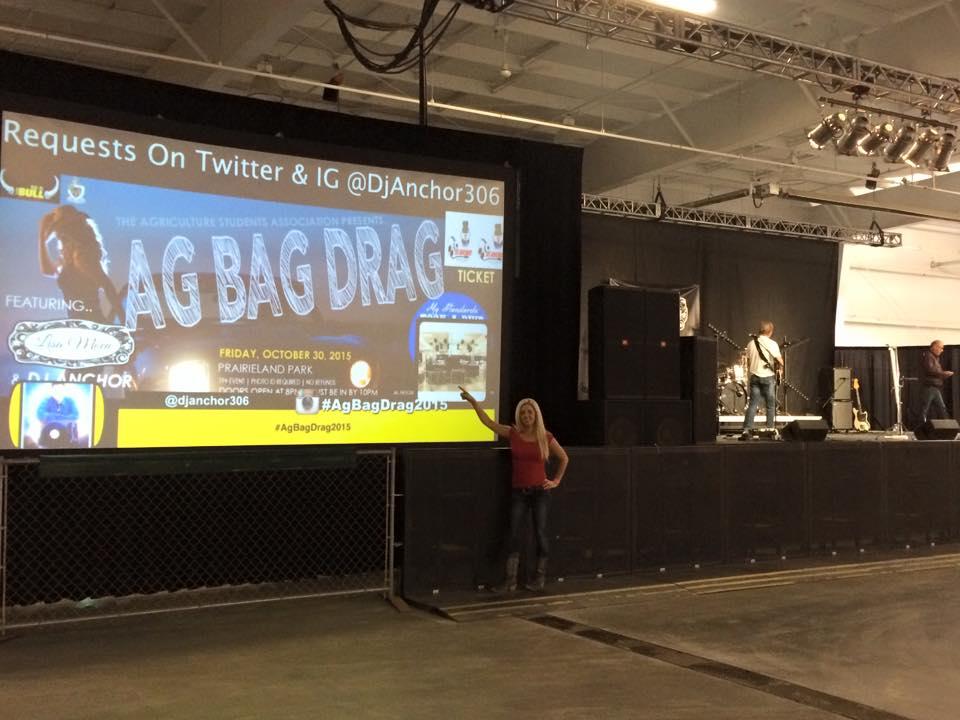 Ag Bag Drag 2015 Saskatoon Prairieland Park Dj Anchor U of S Agros - Image 6